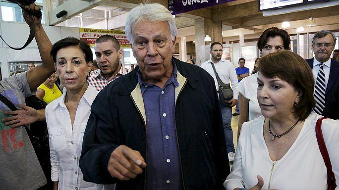 رئيس وزراء أسبق في زيارة لمعارضين في كاراكاس