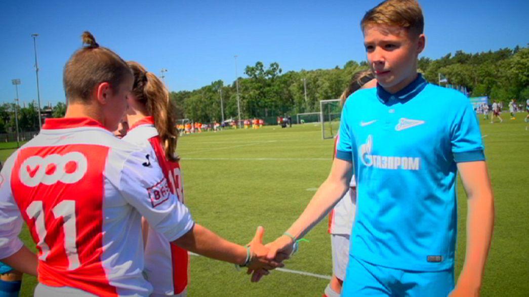 """""""Football for Friendship"""", el evento que promociona el fútbol entre los jovenes llega a Berlín"""