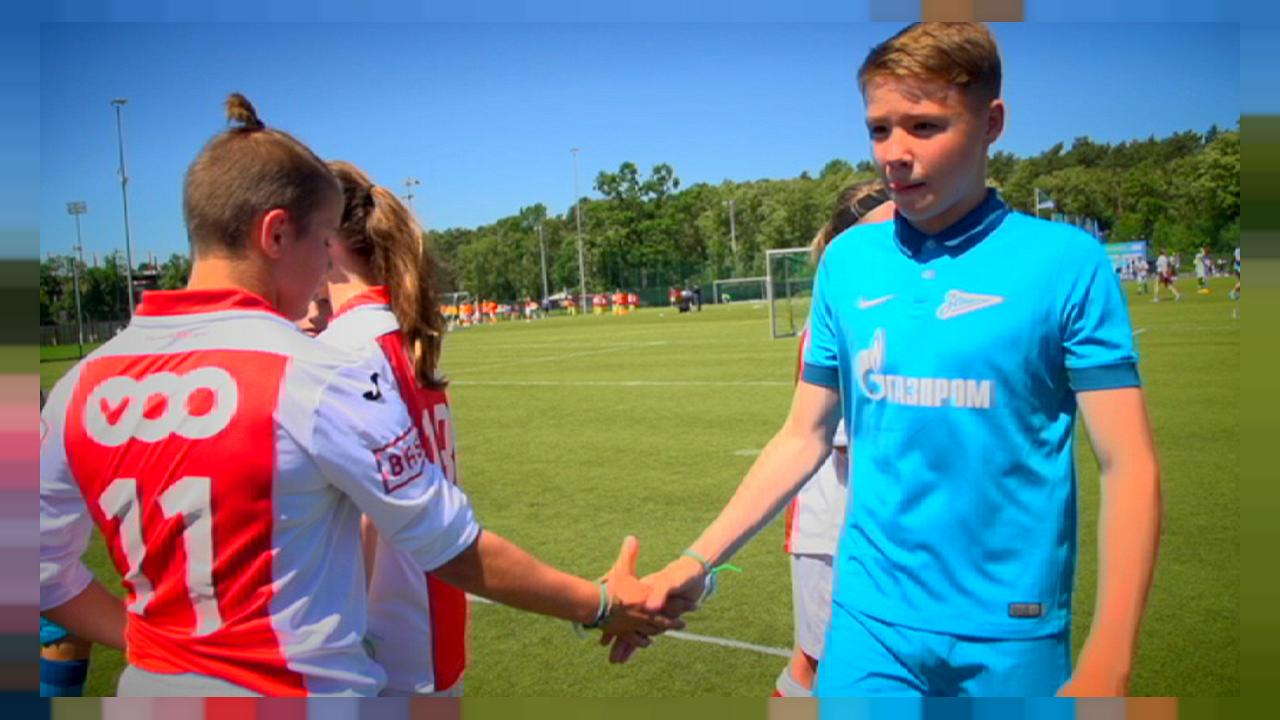 """Football For Friendship"" : redonner une image positive du football"