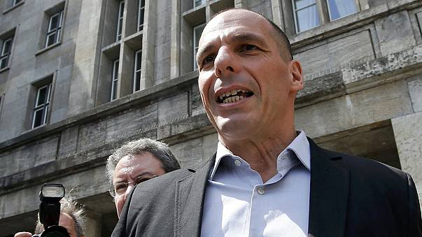 Greece calls for new approach to its debt crisis