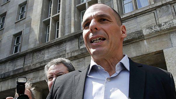 """Греция и """"тройка"""" пытаются сблизить позиции по вопросу финансовой помощи"""