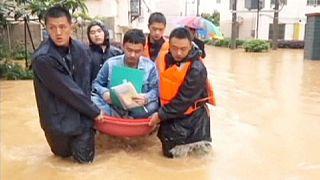 بارندگی شدید و جاری شدن سیل در جنوب چین