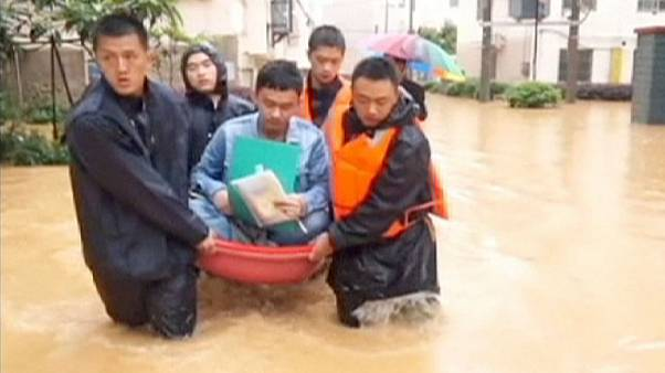 Heavy downpours hit south China