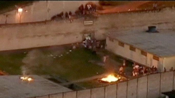 انتهاء عملية احتجاز مسؤولي سجن برازيلي بالإفراج عن المحتجزين