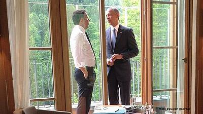 Has Barack Obama taken up smoking again?