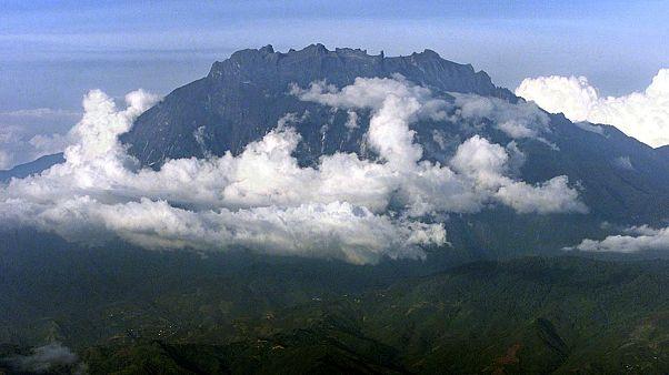 Γυμνή τουρίστρια ευθύνεται για σεισμό στη Μαλαισία;