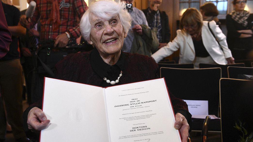 A 102 ans, elle obtient enfin son doctorat, n'en déplaise aux nazis