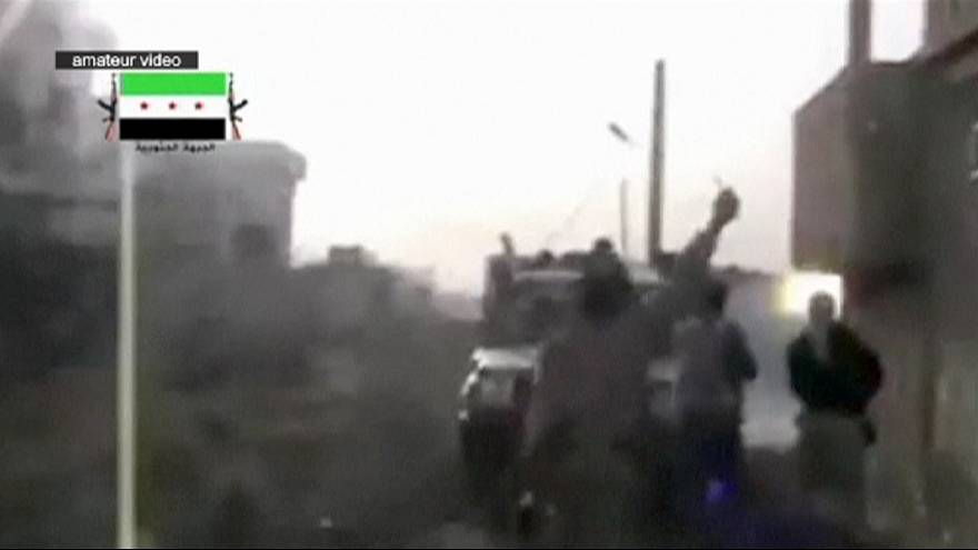Suriyeli muhalifler güney cephesinde ilerliyor