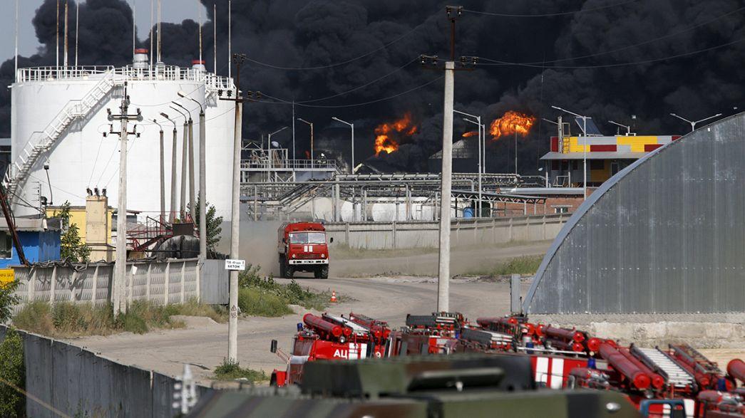 El Gobierno ucraniano cree que el incendio en un depósito de petróleo cerca de Kiev se debió a una negligencia