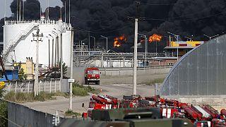 آتش سوزی در یک انبار نفت در اوکراین هنوز مهار نشده است