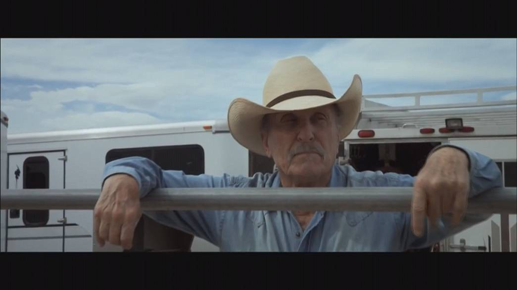 Robert Duvall nyeregbe pattan - Wild Horses