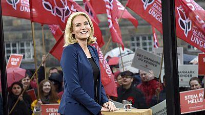 """Algo más que un """"selfie"""" a destiempo: la jefa de gobierno danesa Helle Thorning-Schmidt"""