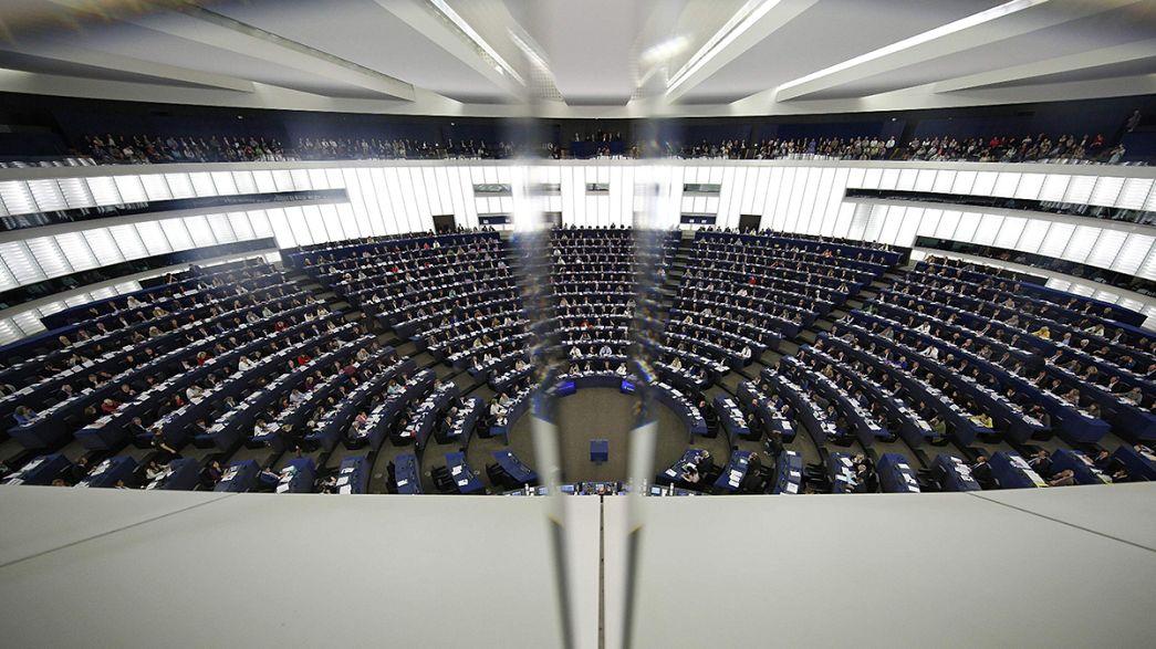 Parlamento Europeu aprova resolução que condena estado da democracia na Hungria