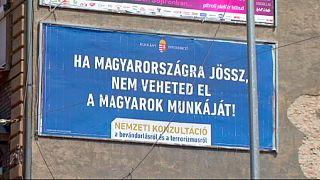 Macaristan'da hükümetin kampanyasına karşı muhalefetten yabancılara 'hoşgeldiniz'