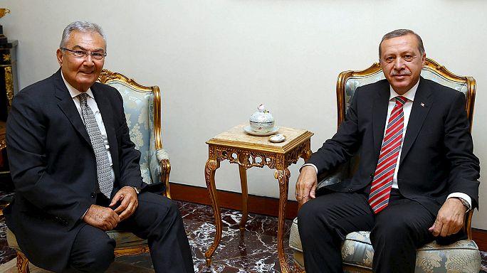 Turquie : AKP cherche partenaire de coalition désespérément