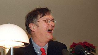 Le prix nobel de médecine de 2001, taxé de sexiste, démissionne
