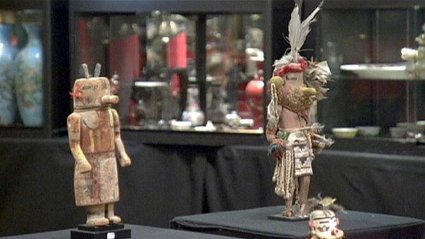 Umstrittene Auktion von Hopi-Masken in Paris