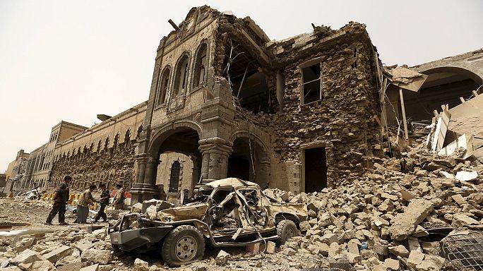 Yémen : un quartier historique de Sanaa touché par les raids aériens