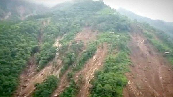 Los deslizamientos de tierra dejan decenas de muertos en Nepal