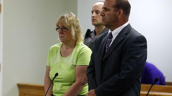 """США: сотрудница тюрьмы помогла бежать двум убийцам из-за """"особых"""" чувств к одному из них"""