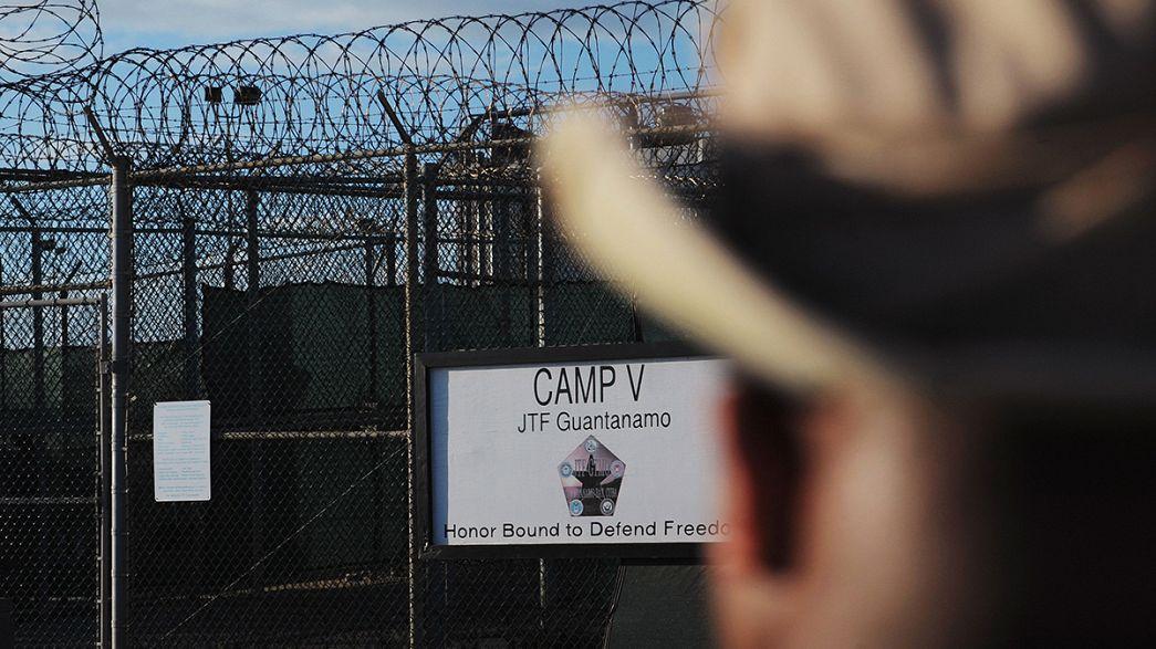 6 يمنيين ينقلون من غوانتنامو إلى عُمان ضمن خطة بطئية لإفراغ المعتقل الأميركي