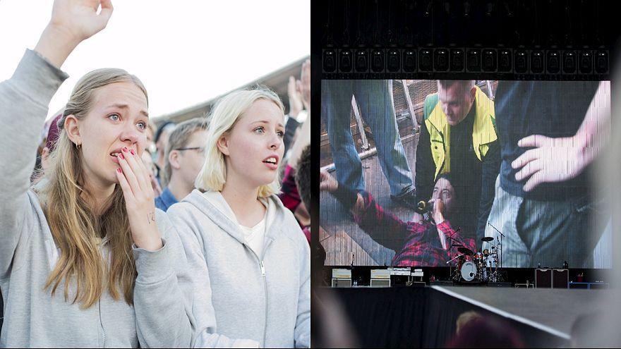 كسر ساق مغني «فو فايترز» أثناء حفل في السويد