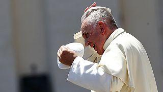 Ferenc pápa egy meleg aktivistával is találkozik Paraguayban