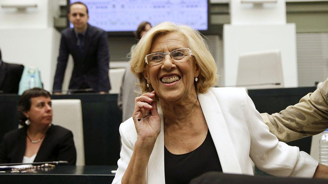 Un'indignata alla guida di Madrid