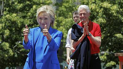 Hillary Clinton nimmt Präsidentschaftswahlkampf auf