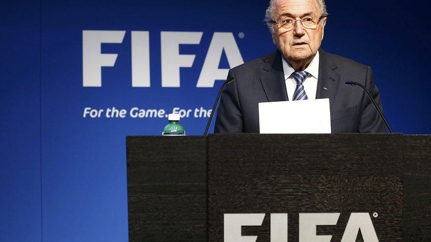 Keiner ebenbürtig? Blatter will wohl doch nicht zurücktreten