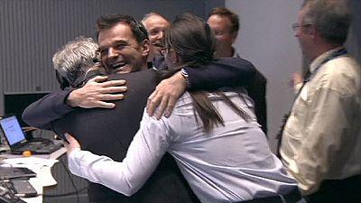 Philae chiama Terra! Il lander rilasciato da Rosetta dopo mesi di silenzio si fa vivo