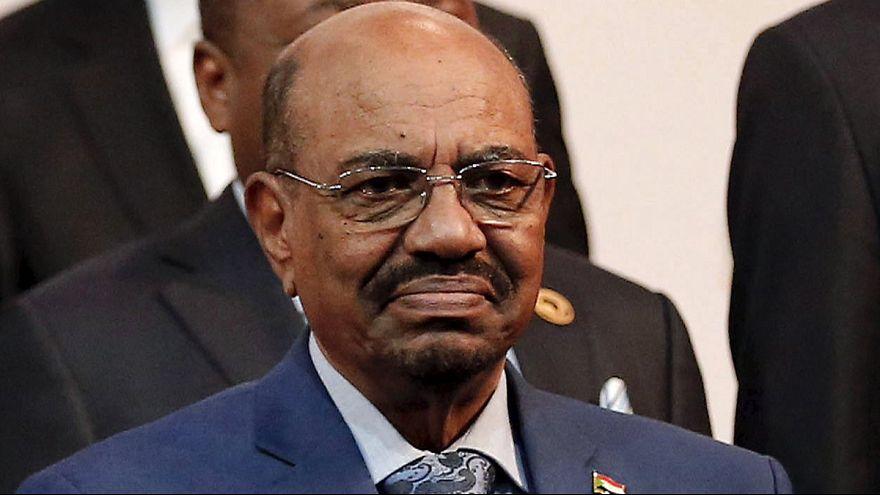 В Судане уверены, что президент страны сможет покинуть ЮАР или уже покинул