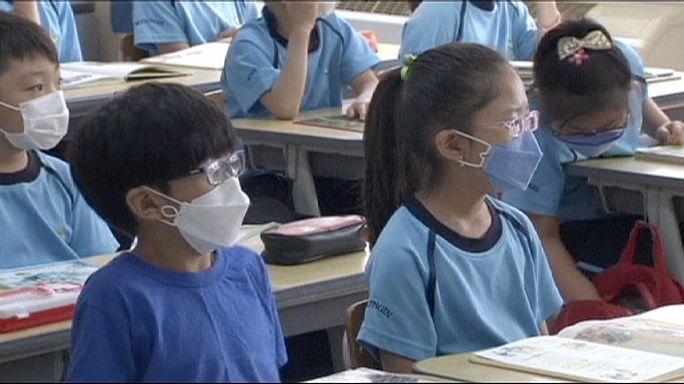 Güney Kore'de okullar eğitime tekrar başladı