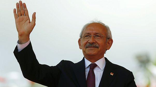 Turquia: Oposição abre a porta à formação do novo governo