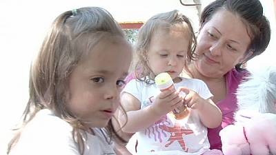 Hungarian charities step in to feed needy children