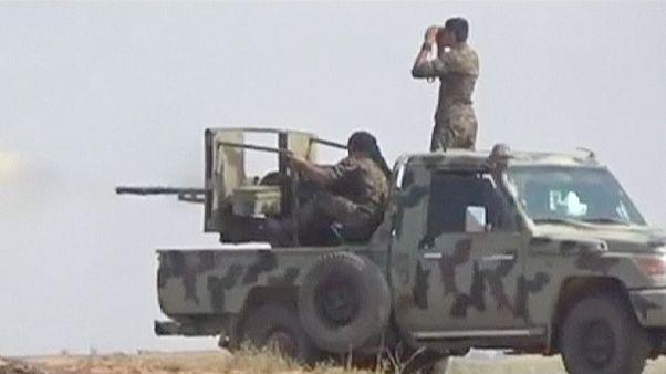 """""""ИГИЛ"""" в Сирии: курдские отряды окружили Тель-Абьяд. Тысячи человек бежали в Турцию"""