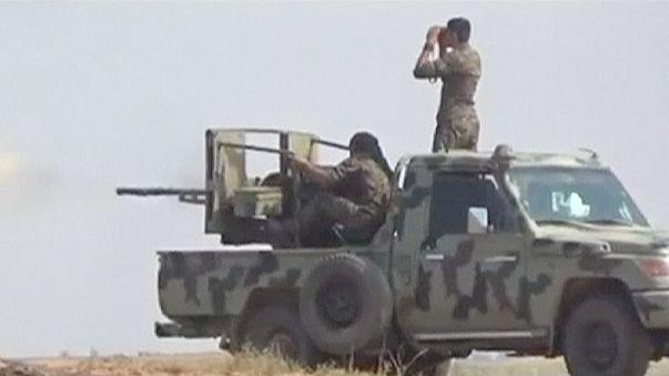 Kurdenkämpfer nehmen Grenzübergang Tel Abjad ein