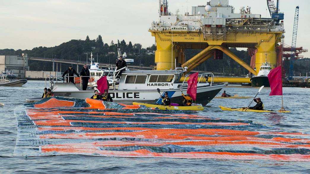 Proteste al porto di Seattle contro trivellazioni Shell nell'Artico
