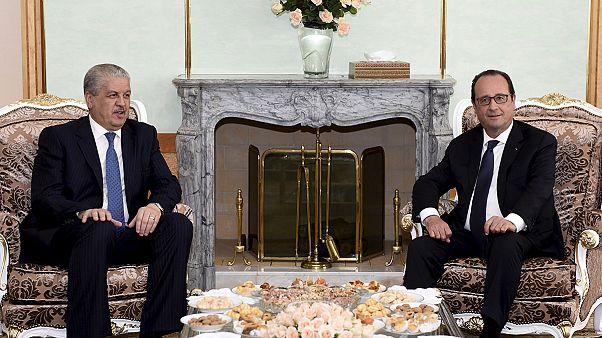 A terrorizmusról tárgyal a francia elnök Algériában