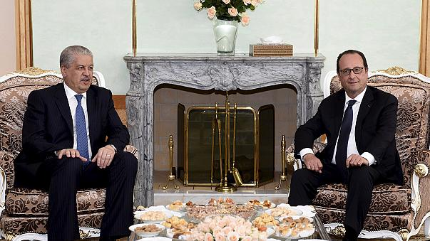François Hollande reçu par Bouteflika