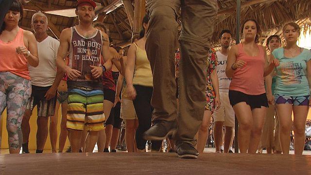 الباتشاتا، رقصة وموسيقى وأغنية تحلق خارج جمهورية الدومينيكان