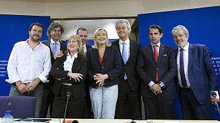 Marine Le Pen apresenta grupo parlamentar europeu