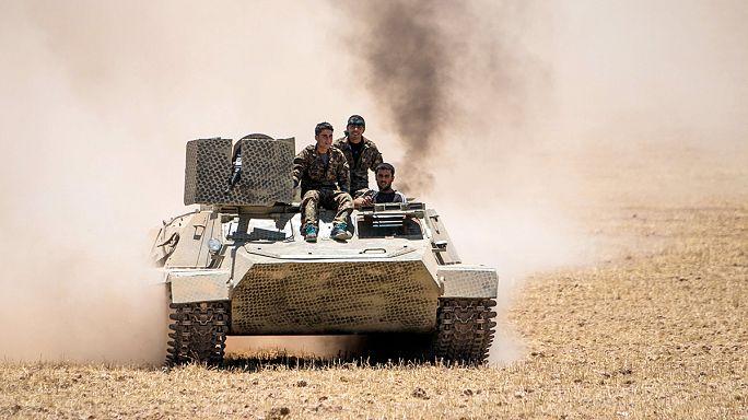 """Сирия. Курдские отряды отвоевали у """"ИГ"""" приграничный город Телль-Абъяд"""
