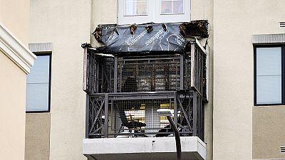 Fallecen cinco estudiantes al caerse el balcón de una vivienda