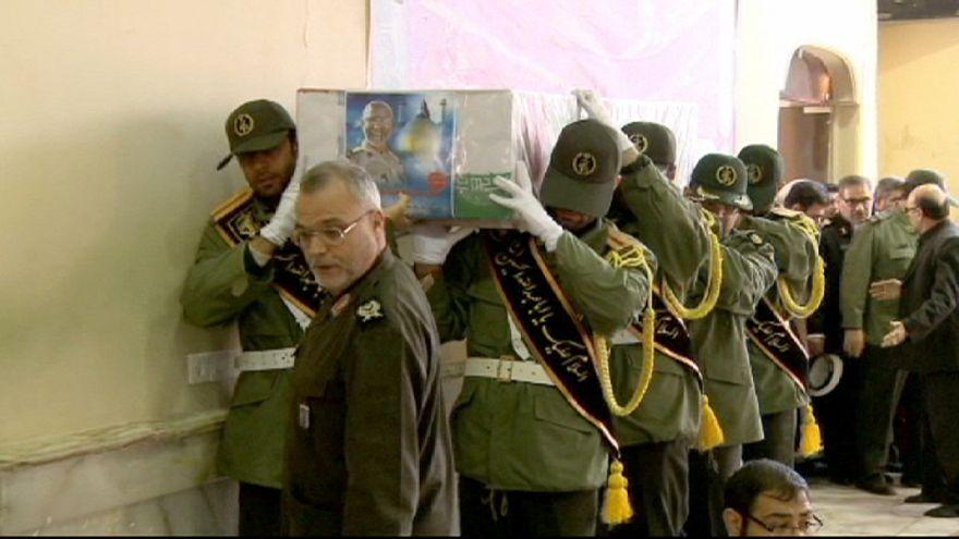 İran-Irak Savaşı'nda öldürülen 270 kişi için Tahran'da cenaze töreni