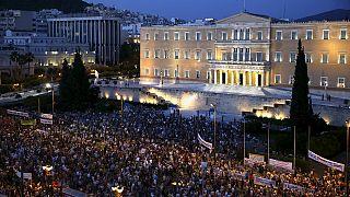 Les Grecs manifestent contre l'austérité