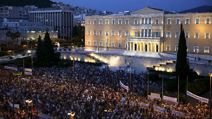 Greeks rally ahead of eurozone crunch talks