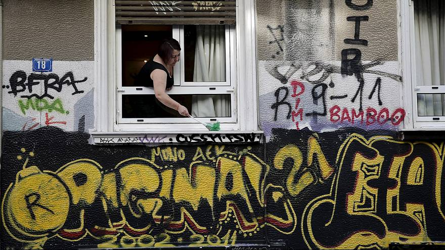 Grécia: dois irmãos tentam manter negócios à tona em plena crise