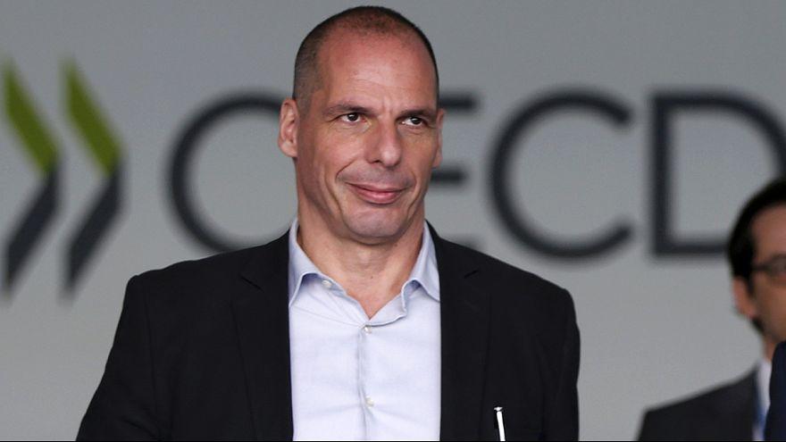 """Situação grega faz pairar sombra negra sobre """"economia mundial"""""""