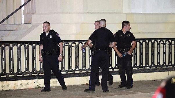 США: перестрелка и эвакуация в Чарльстоне